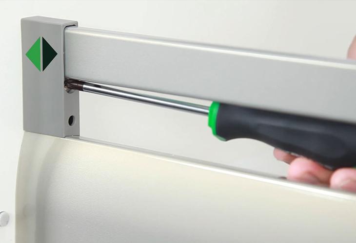 Nastavitev predalnikov in vrat na kuhinji